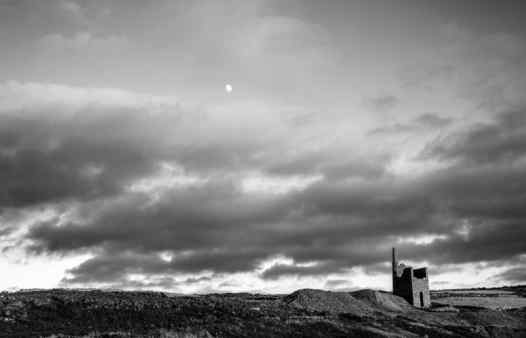 Cornish tin mine engine houses are now lonely figures dotting the bleak moors of Cornwall. Explore the mines they served on an exciting mine tour.